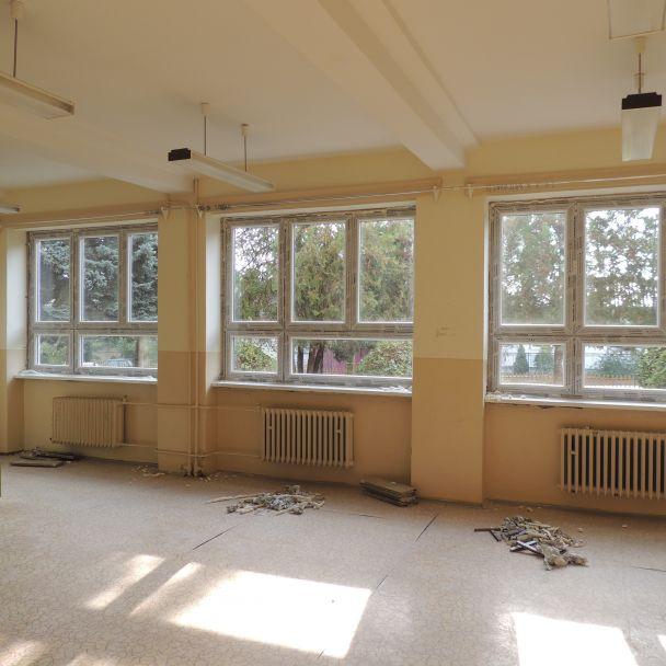 Výmena okien na ZŠ - 2015